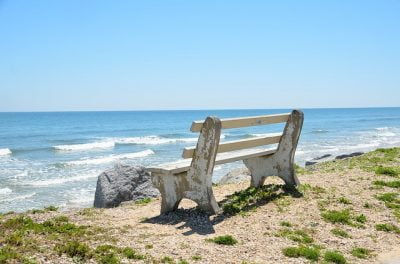 bench-on-beach
